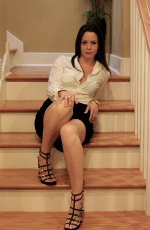 Marsha escorts in Hamilton