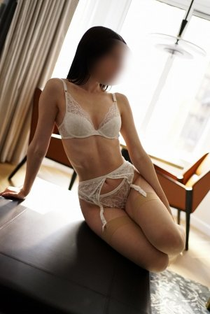 Christelle escort girl in Munster IN