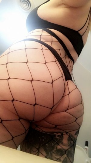 Eleanna escort girl in North Royalton