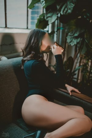 Anne-elodie incall escort in Lincolnia