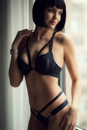 Loulia incall escorts