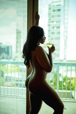 Manthita outcall escort in Forest City FL